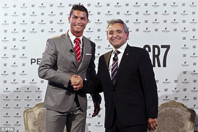 Cristiano Ronaldo et Dionisio Pestana