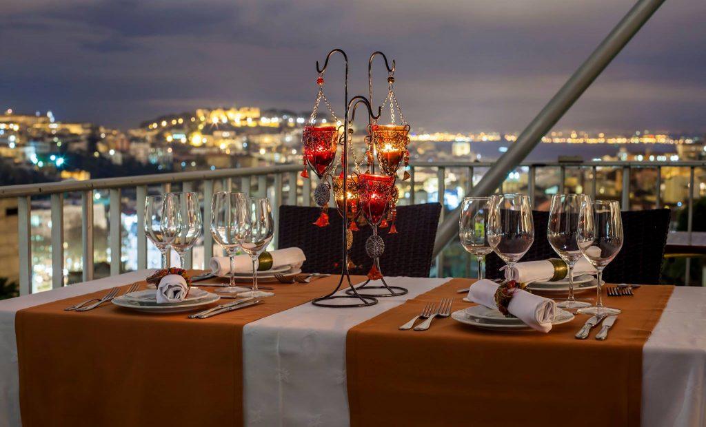 Couple Terrasse Restaurant