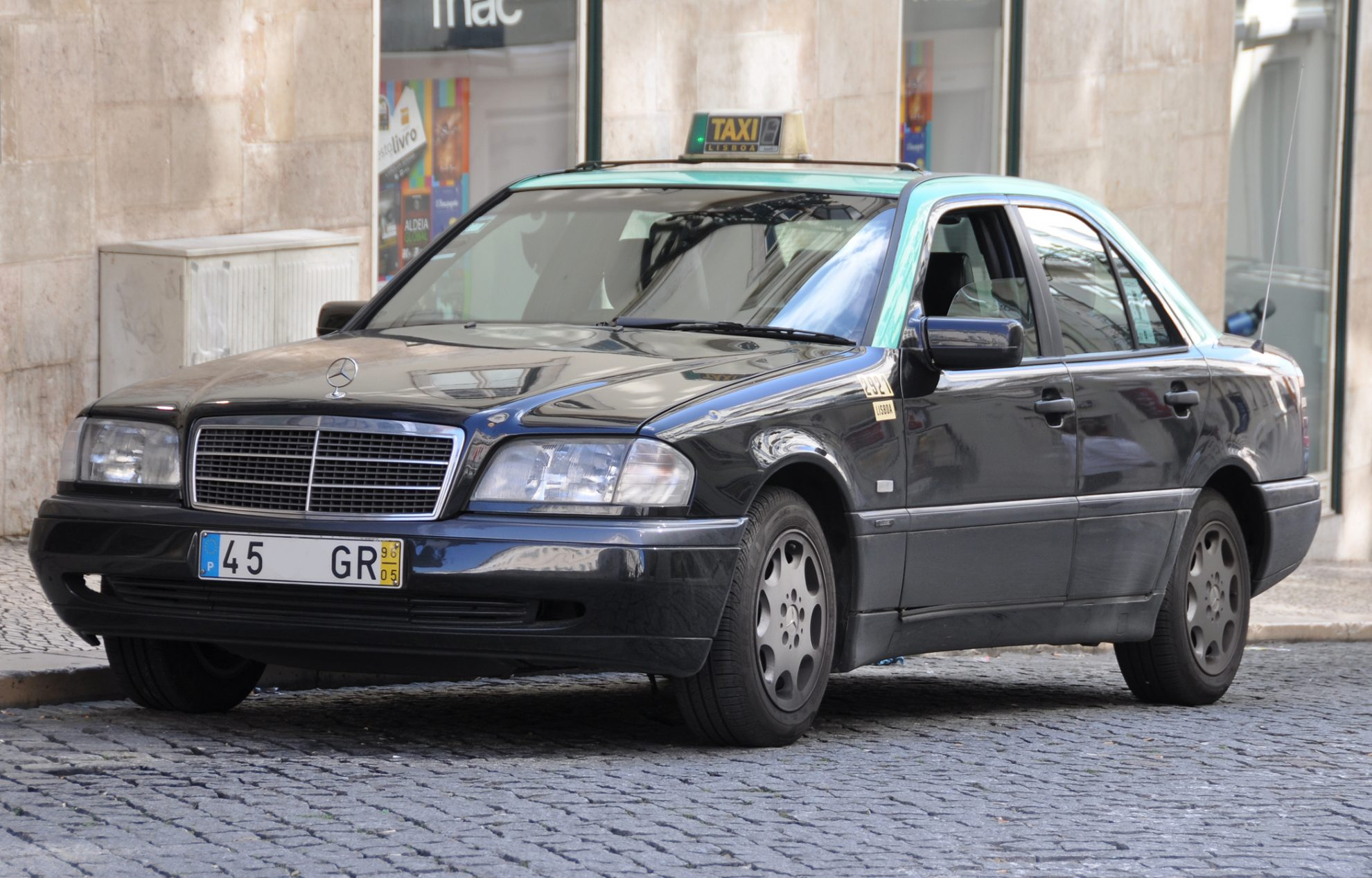 Taxi Mercedes Lisbonne