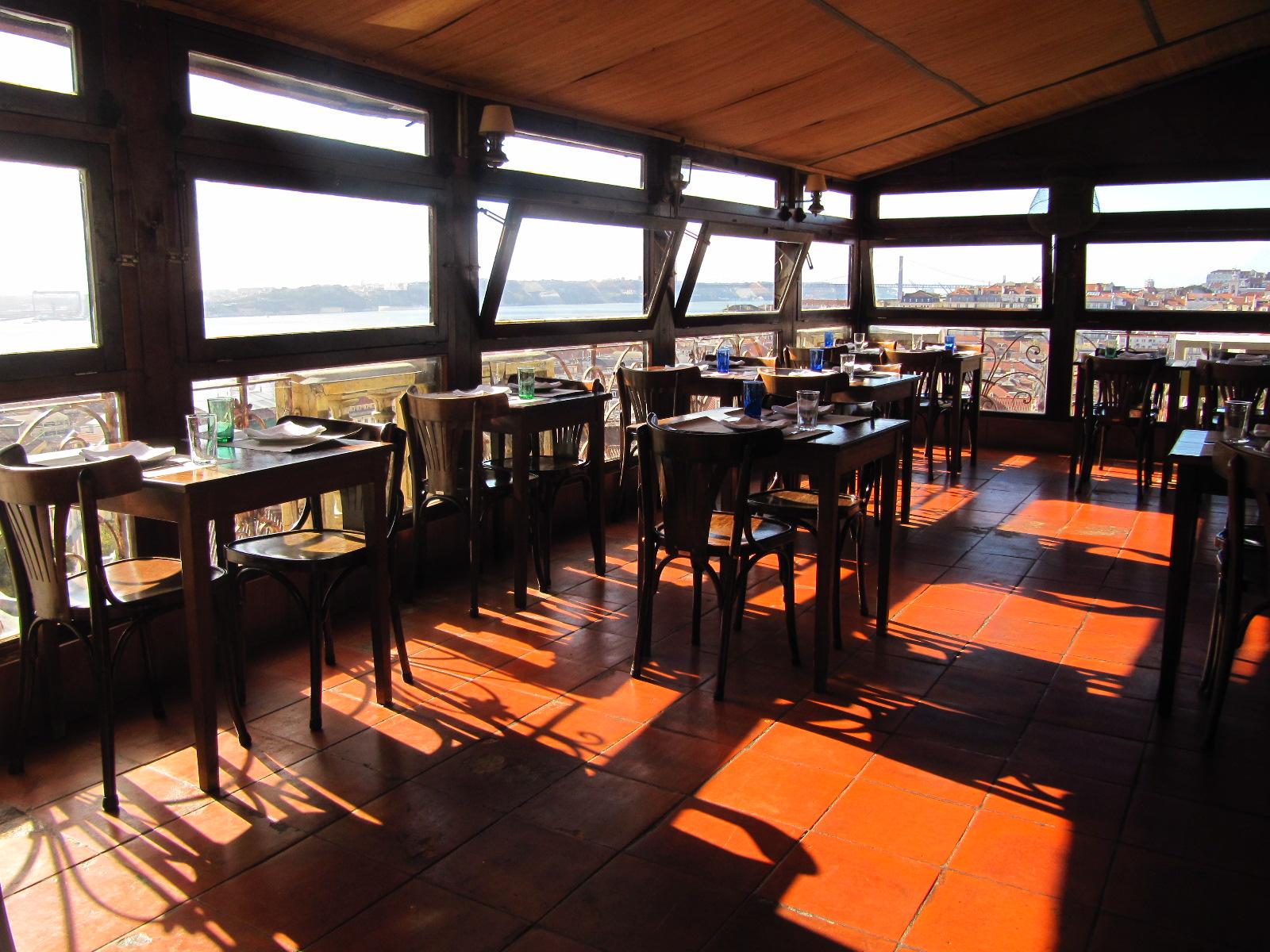 Chapito A Mesa - Restaurant avec vue panoramique sur Lisbonne - Pres Chateau Saint Georges