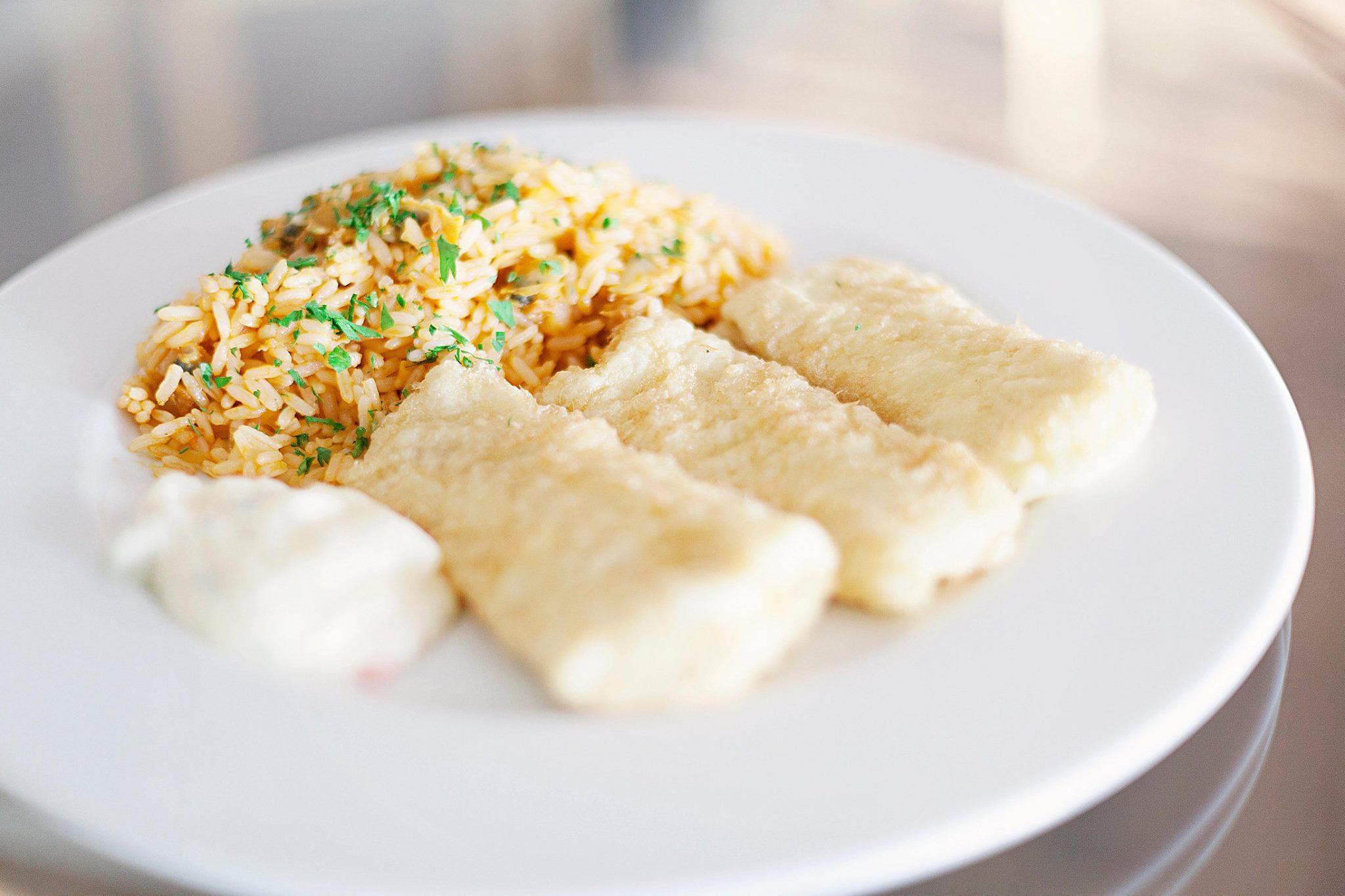 Filets de merlu et riz aux coques - Restaurants Monte Mar - Lisbonne