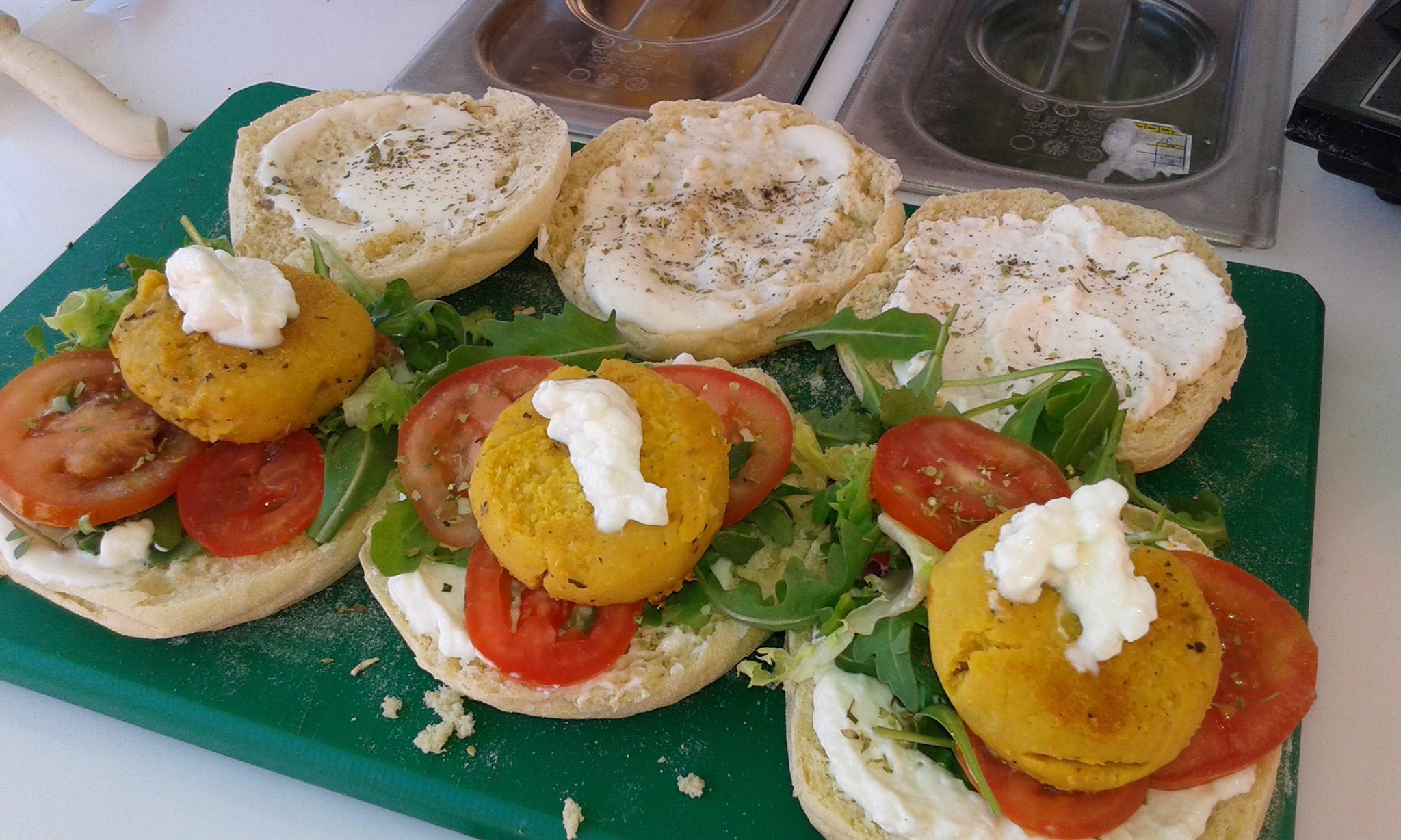 Burgers vegetariens du foodtrucks 100porcentosaboroso - streetfood - lisbonne