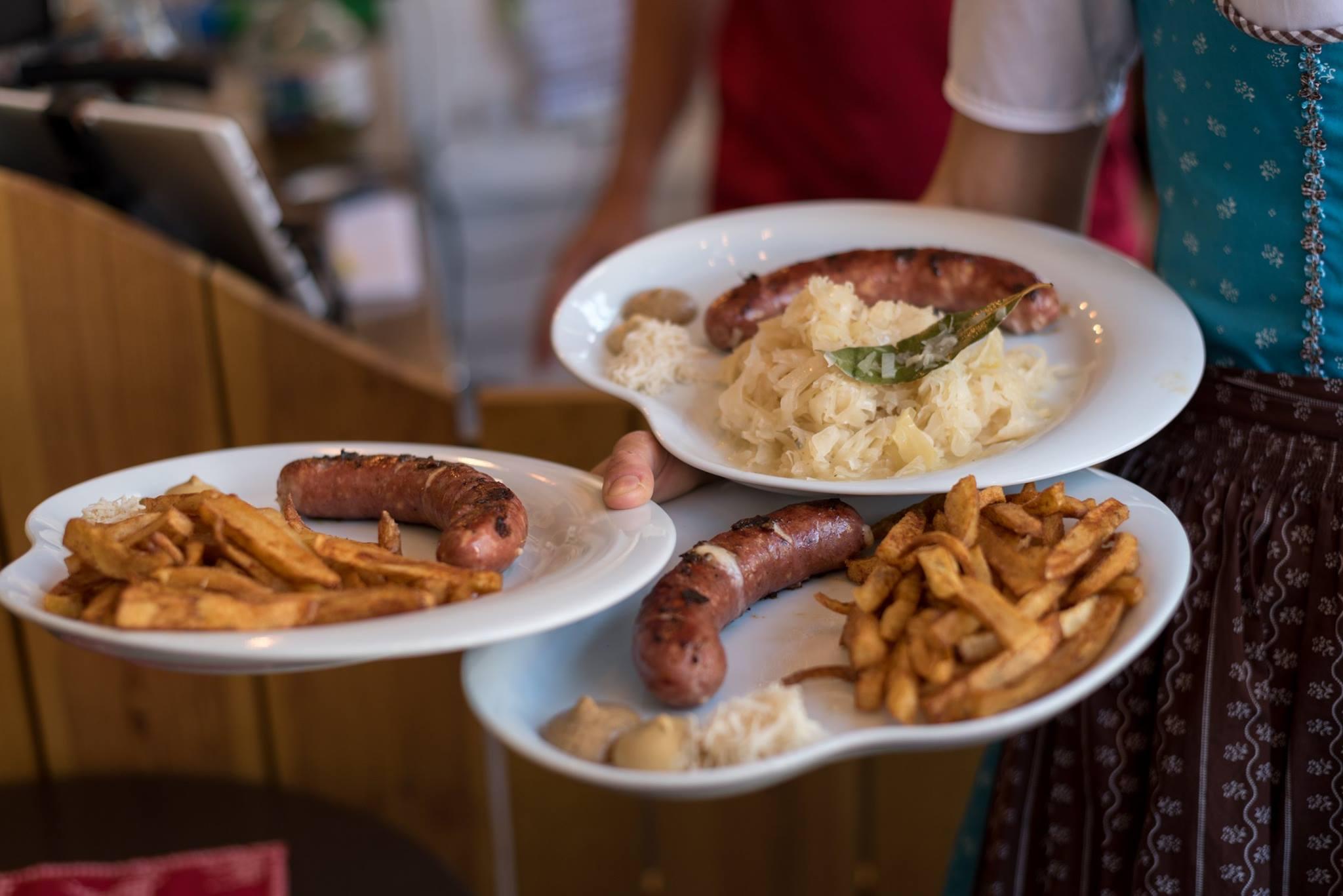 Wurst - Plats avec saucisses autrichiennes - Street Food - Lisbonne