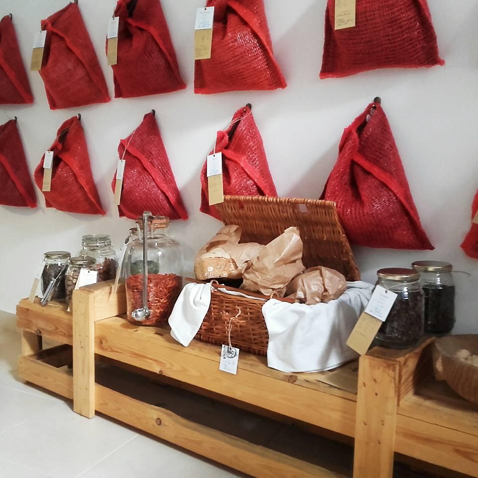 Logradouro - Epicerie - Vente herbes aromatiques et infusions - Lisbonne
