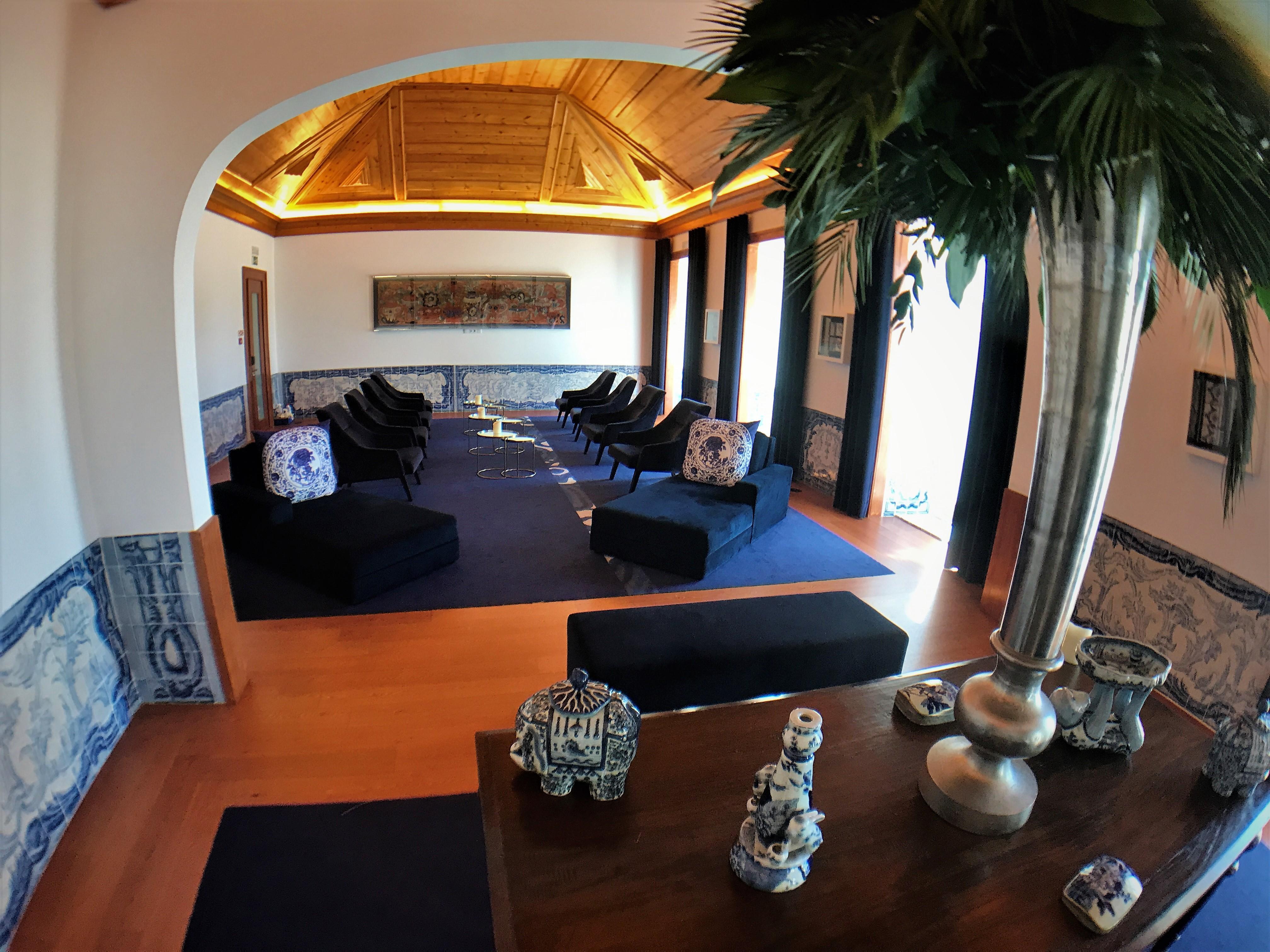What do interior designers do simple interior design for Salon 5 etoiles